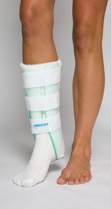 "Leg Brace with Anterior Panel, 15.5"" (39 cm) - Left"